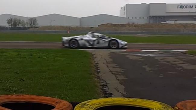 Sulla Ferrari F150 T spuntano ala posteriore e splitter!