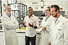 Petronas contribuisce allo sviluppo del V6 Mercedes