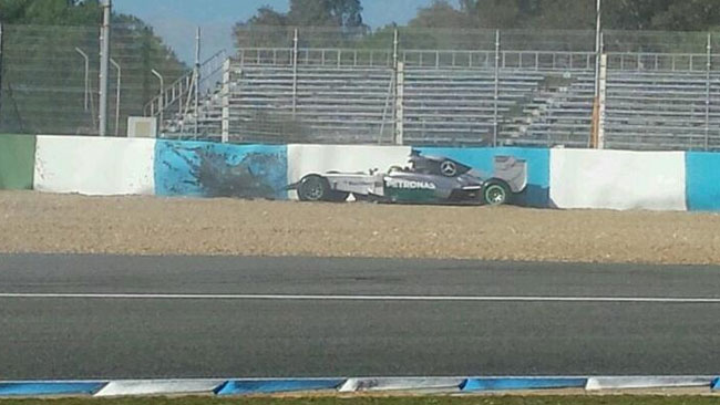 Test Jerez, Day 1: Hamilton a muro alla prima curva