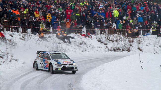 Svezia, PS15: Mikkelsen accorcia su Latvala
