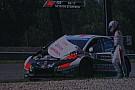 Slovakiaring, Q2: A Tarquini si apre il cofano in curva!