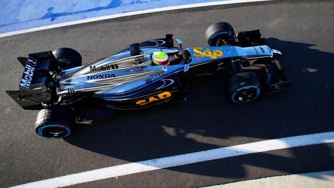 Ecco la McLaren in pista con la power unit Honda