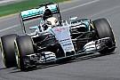Melbourne, Q1: Hamilton davanti, Verstappen quarto!
