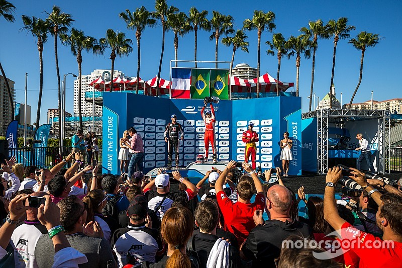 Piquet replica l'exploit del padre a Long Beach!