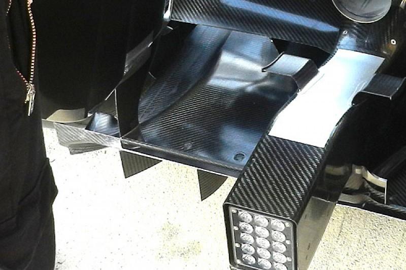 Mercedes: modificato anche l'estrattore posteriore