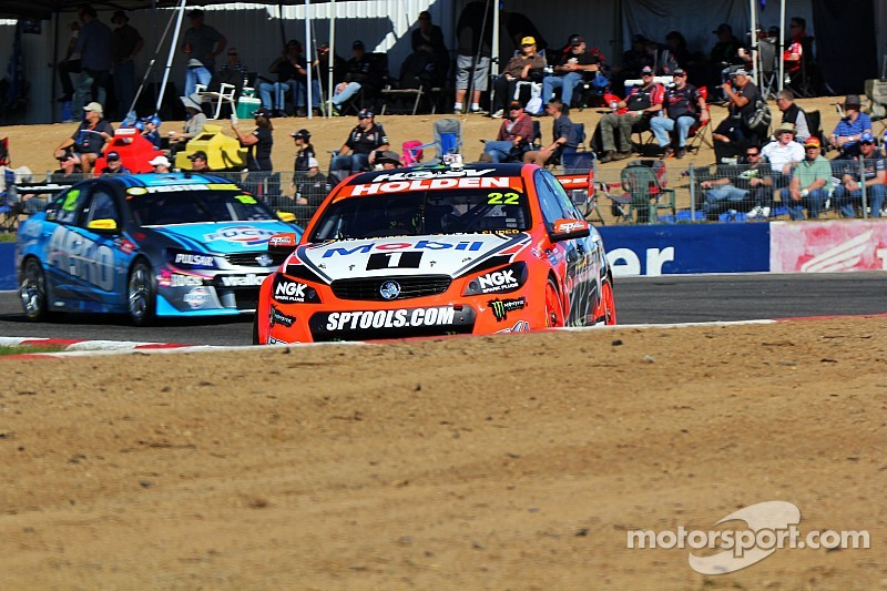 Courtney puts Holden on top in final V8 practice