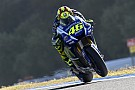 Rossi no se distrae por ser el líder en MotoGP