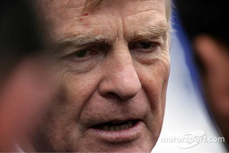 Мосли: Ф1 выиграет от вмешательства FIA
