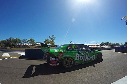 Reynolds survives scare to win in Darwin