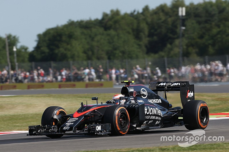 В McLaren рады возможности использовать пятый двигатель