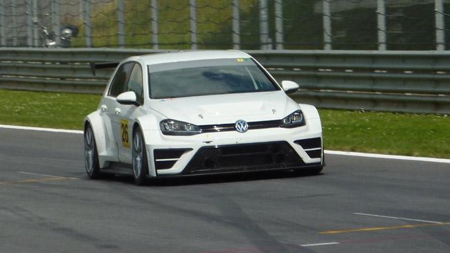 Ecco la Volkswagen Golf TCR del Team Engstler!