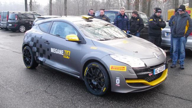 Primo shakedown per la Mégane RS N4