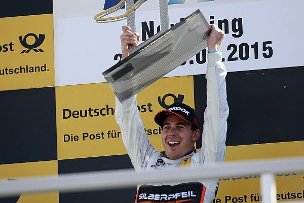 ويكنز يهيمن على سباق نوريسرينغ الثاني بعد خطأ بتوقف فيتوريس