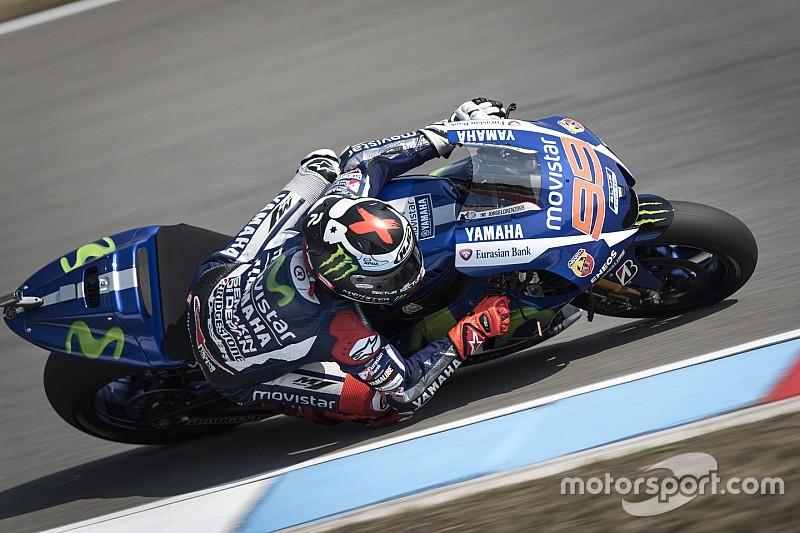 """""""Orgulhoso"""", Lorenzo comemora pole e aposta em acerto para corrida"""