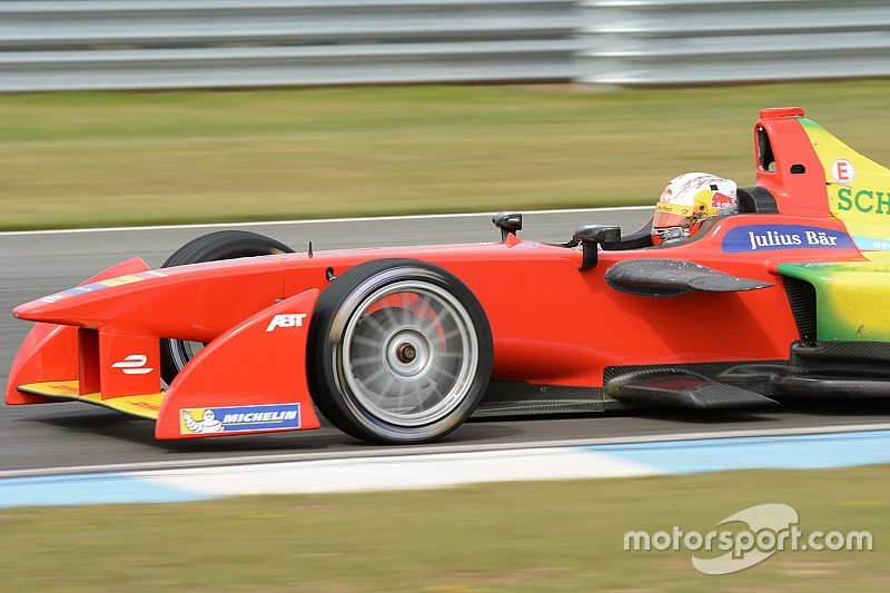 Abt smashes Donington lap record in qualifying simulation