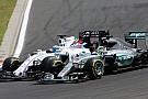 В Формуле 1 стали меньше обгонять