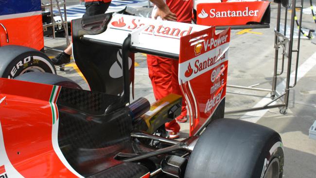 Ferrari: l'ala posteriore con il profilo più scarico