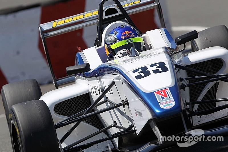 هاريسون نيوي يُحقّق فوزه الأوّل في بطولة الفورمولا 4 البريطانيّة