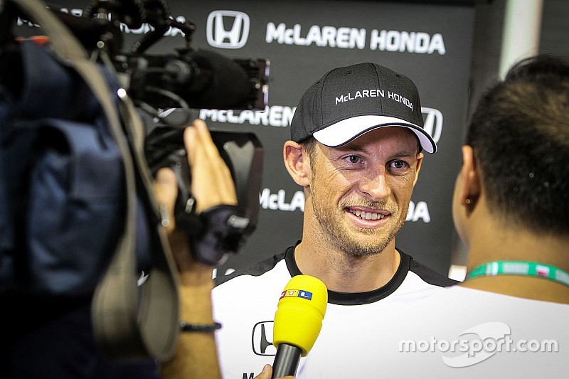 Баттон и Араи приглашены на пресс-конференции FIA
