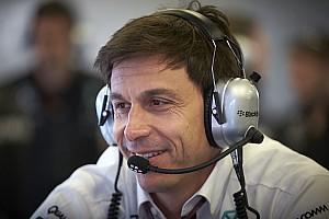 Формула 1 Комментарий Вольф: В гонке могут возникнуть проблемы с износом шин