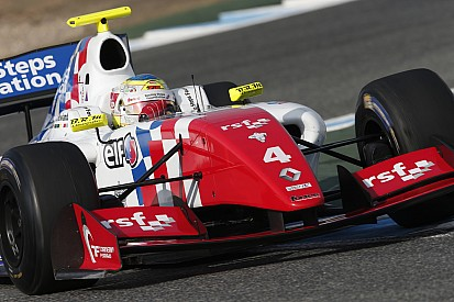FR3.5-kampioen Rowland in contact met twee F1-teams