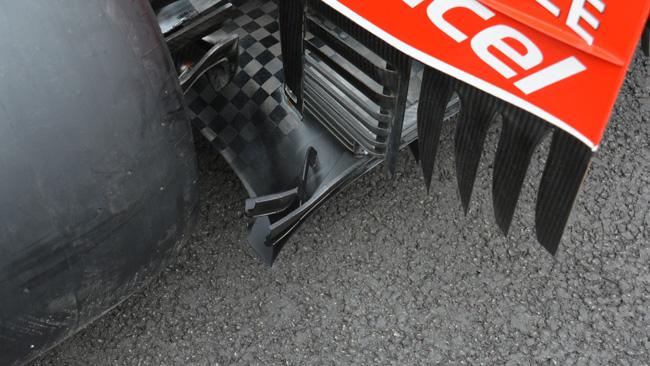 Ferrari: il ricciolo del diffusore diventa un mini-flap