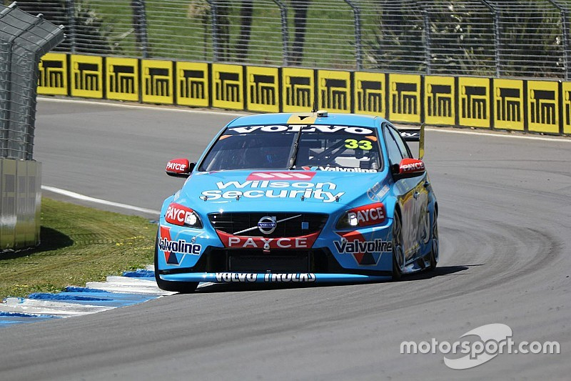 Scott McLaughlin earns pole position for Auckland finale
