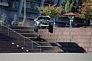 Болдуин вывел гоночный пикап на улицы города
