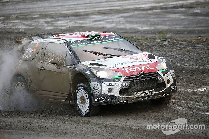 Galles, PS11: Meeke in testa. Ogier, che sfortuna!