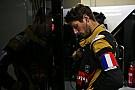 Grosjean lleva un brazalete por los atentados en Francia