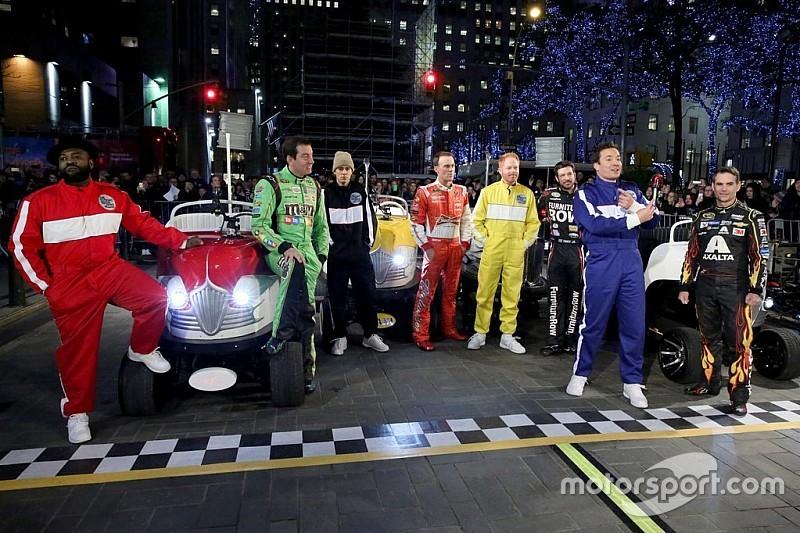 Pilotos do Chase participam de programa de TV com Bieber