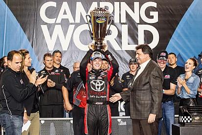 Erik Jones se convirtió en el campeón más joven y Crafton ganó la carrera