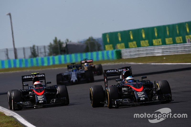 "Button - Alonso, un ""plus gros défi"" que Hamilton"