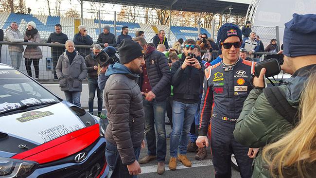 Monza Rally Show: che affetto per Neuville!
