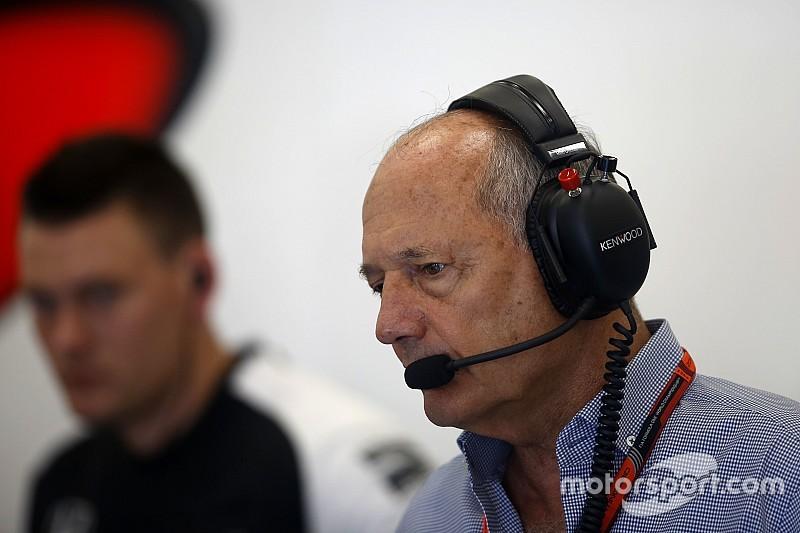 Dennis confirma que impidió la unión Red Bull-Honda