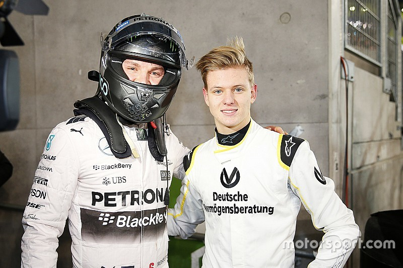 Rosberg geeft advies aan Mick Schumacher: 'Houd er vooral plezier in'