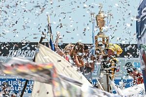 TURISMO CARRETERA Reporte de la carrera Cerca de los 50 años, Martínez volvió a gritar campeón