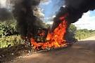 خروج أسرع سائق لدى رينو من مُنافسات داكار بعد احتراق شاحنته