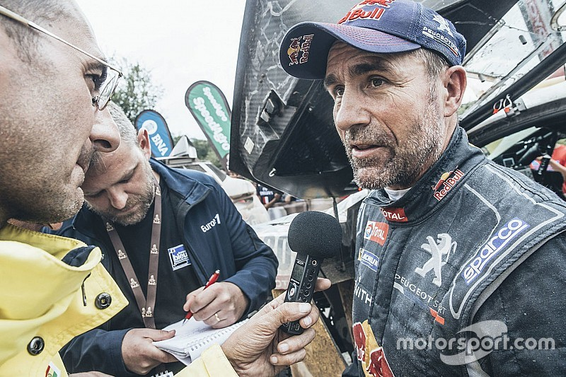 Stéphane Peterhansel muestra la experiencia