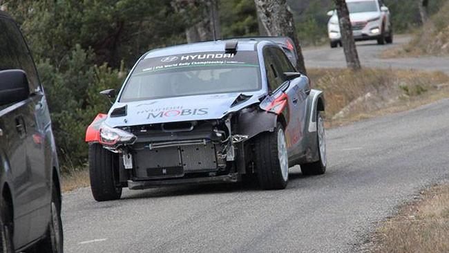 """Dani Sordo """"battezza"""" la nuova Hyundai i20 WRC"""