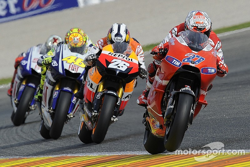 La Ducati #27 ya está esperando a Stoner en los pits de test en Sepang