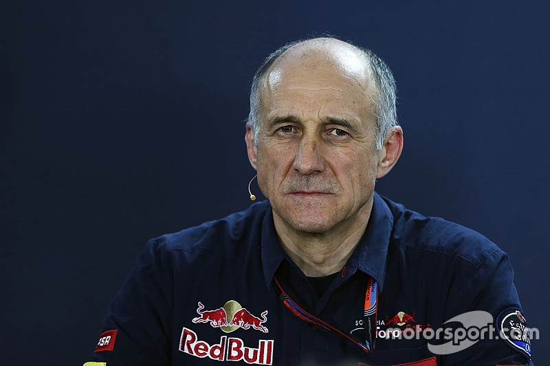 """""""Programa de pilotos da Red Bull é justo"""", crê chefe da STR"""
