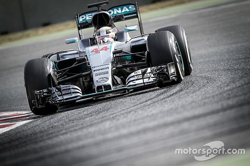 """Mercedes planeja introduzir peças """"diferentes"""" nos testes"""