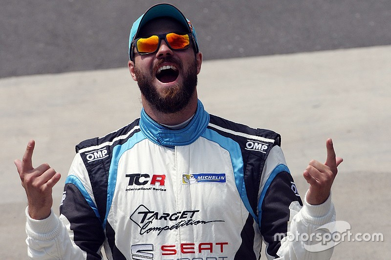 Leopard Racing enters TCR with Vernay, Comini