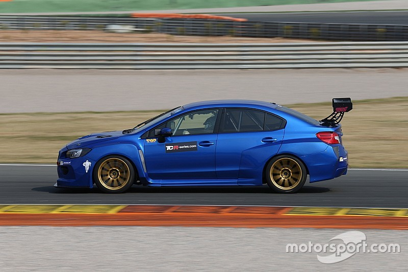 Nicola Larini absolviert BoP-Testfahrten für TCR-Serien 2016