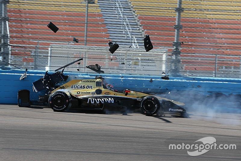 Carpenter snel in Phoenix, crashes voor Sato en Hinchcliffe