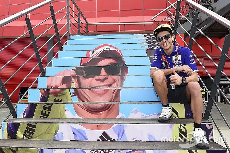 """Valentino: """"Per la vittoria sarà difficile, Marquez è più veloce"""""""