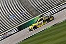Carl Edwards conquista pole no Texas