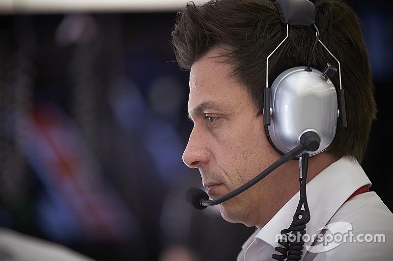 """Wolff: """"La F1 debería abandonar los cambios para 2017"""""""