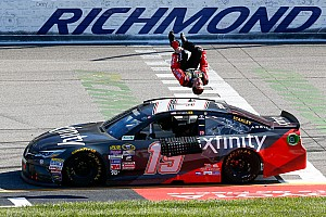 Monster Energy NASCAR Cup Raceverslag Carl Edwards tikt leider Busch aan en pakt zo zege in Richmond